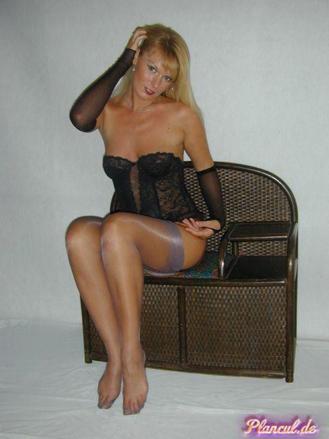 Plan cul avec mature blonde sur Lyon